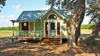 Floor And Decor San Antonio 13 Adorably Teeny Tiny Houses Geekthenews