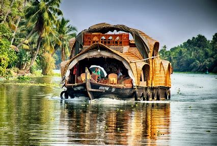 kumarakom boat house package kerala backwater tour package 4 days package for kerala backwater