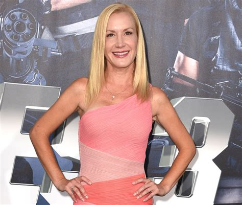 the office s angela kinsey cast in abc pilot the 46