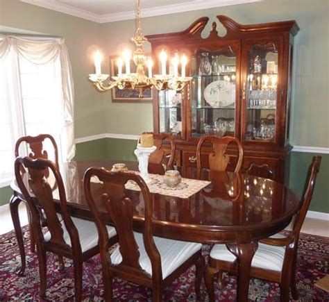 Thomasville Furniture Dining Room Thomasville Cherry Dining Room Set Thomasville Dining Room China Cabinet