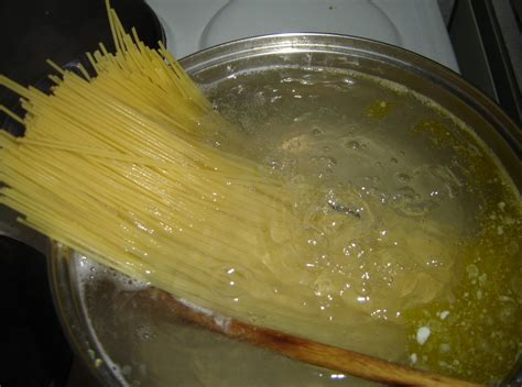file spaghetti cooking jpg