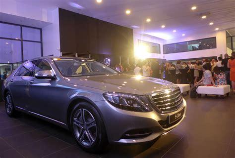 Mercedes And Chrysler by Mercedes Chrysler Dealerships Open In Cebu