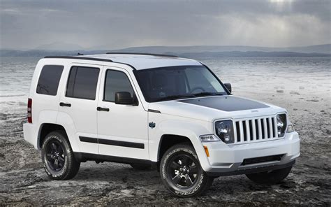 jeep liberty white jeep liberty arctic 2012 widescreen exotic car image 04
