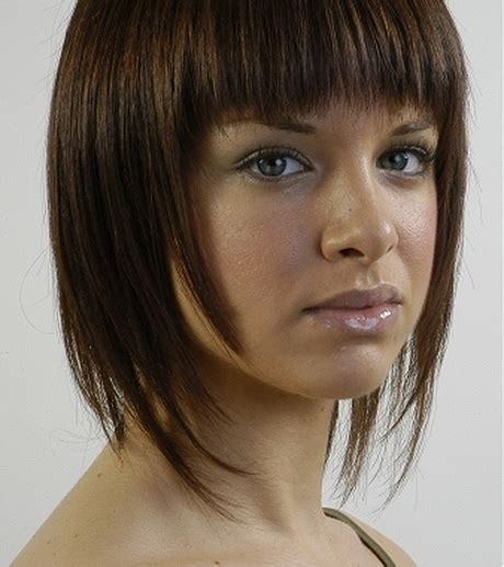 hair shaped around fce medium layered haircuts for round faces