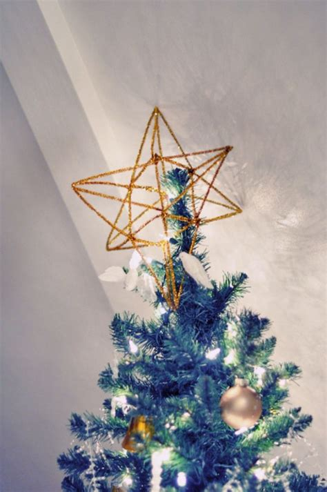 gold star tree topper diy 3d pipe cleaner 620x933