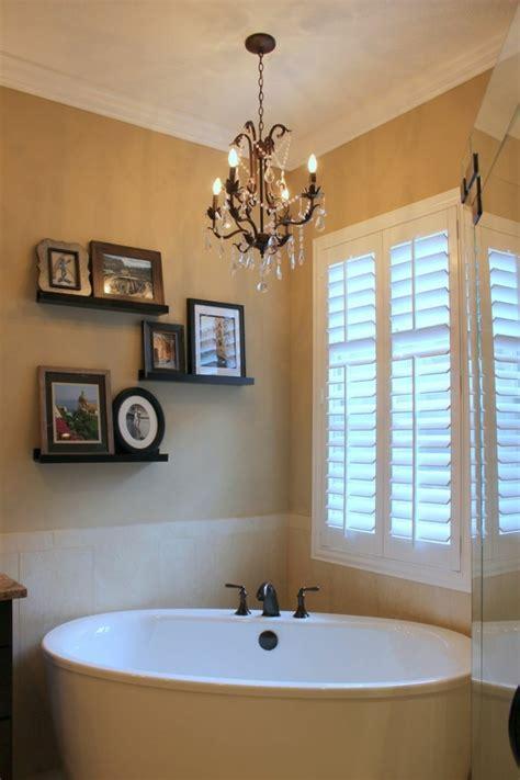 kronleuchter im bad kronleuchter im bad gem 252 tliche und elegante inneneinrichtung