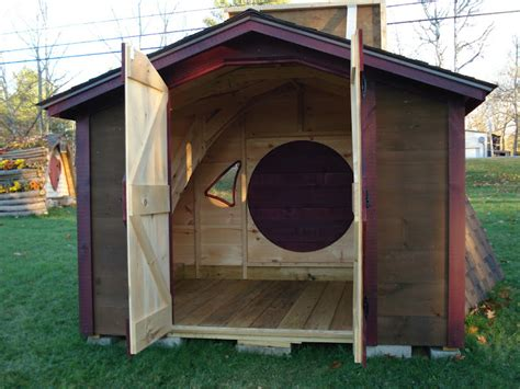 Hobbit Sheds relaxshacks an with the wooden wonders crew