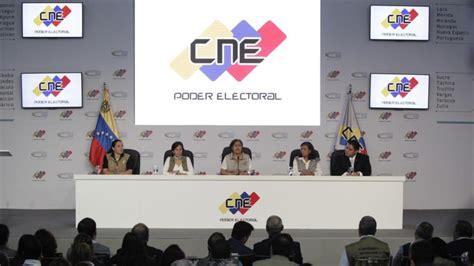 imagenes cne venezuela cne venezolano entregar 225 formulario para referendo