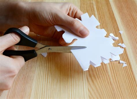 How To Sharpen Scissors At Home by How To Sharpen Scissors Uses For Aluminum Foil 11