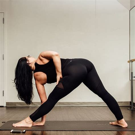 ajustes de yoga 8416579210 mejores 82 im 225 genes de yoga pants clases shorts en ajuste de curvas deportivo y