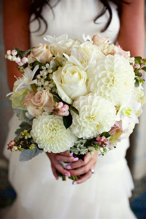best flowers for weddings best wedding bouquets of 2013 belle the magazine