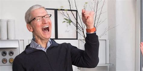 Beats Apple To Become Quot The Most Valuable Brand Quot In The World In 2017 by Apple Becomes The Most Valuable Publicly Traded Company Of