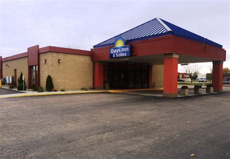 comfort inn and suites mount pleasant mi mount pleasant michigan hotels lodging