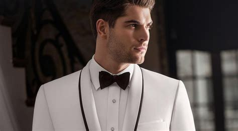 Best Places To Rent A Tux In Chicago ? CBS Chicago