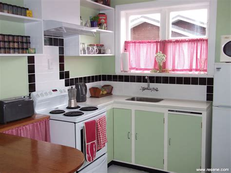 Apple White Paint Kitchen by A New Kitchen In An Deco House A Mixture Of New And