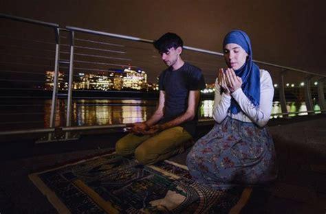 muslim photographer wins award  capturing muslims