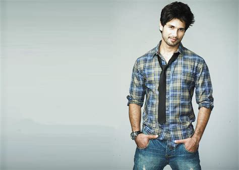 biography of shahid film star shahid kapoor movies news songs images bollywood hungama