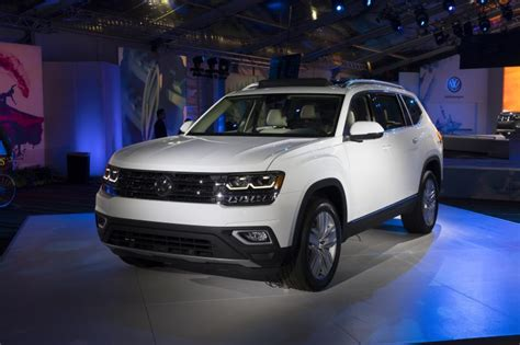 white volkswagen atlas 2018 volkswagen atlas photo gallery