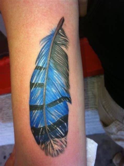 tattoo feather jay blue jay feather tattoo cardinals blue jays pinterest