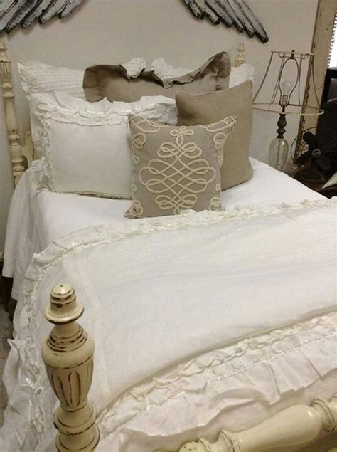 vintage bedding 17 best images about vintage bedrooms on lace curtains and beds