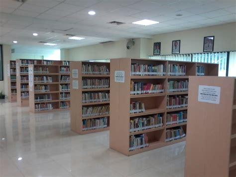 Rak Buku Perpustakaan ayoo ke perpustakaan umum depok