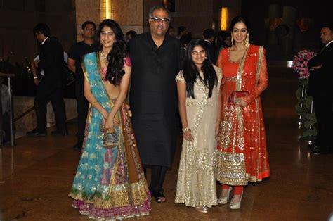 sridevi boney kapoor sridevi with hubby boney kapoor daughters jhanvi khushi at
