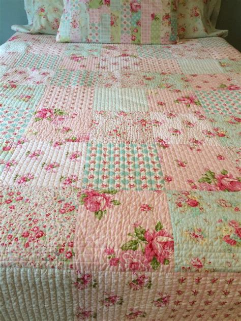 Shabby Chic Patchwork - shabby chic quilt made to order made of whelan