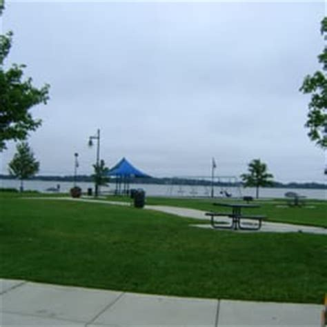Garden Forest Lake Mn by Lake Side Park 10 Photos Parks E Broadway Of