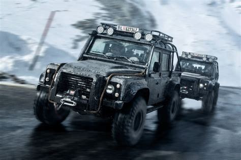 new land rover defenders new land rover defender confirmed for 2017 bigwheels my