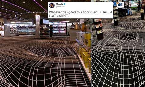 photo  optical illusion carpet confuses  internet