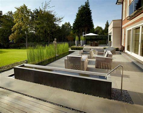 moderne terrassengestaltung wie sieht die moderne gartengestaltung heute aus