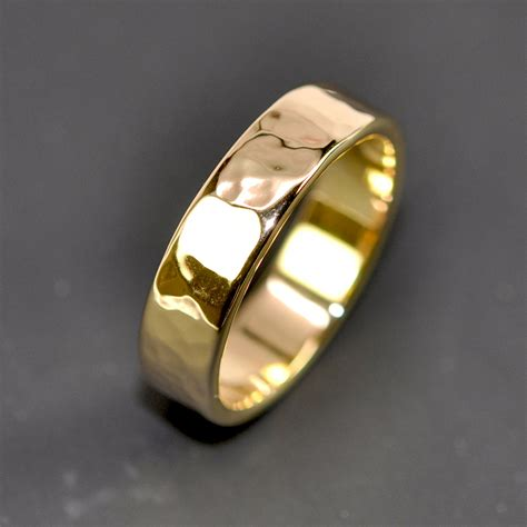 18k Gold Wedding Band by 18k Yellow Gold S Wedding Band Hammered 5mm Ring Sea