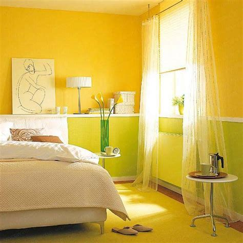 yellow paint bedroom