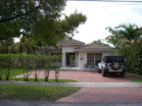 miami water front house for rent single family for