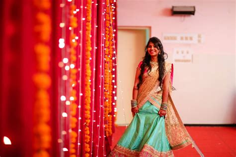 bridal hairstyles on ghagra 7 best hairstyles for lehenga choli you can try in your