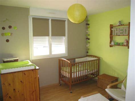 deco chambre vert anis chambre b 233 b 233 vert anis et taupe photo de d 233 coration