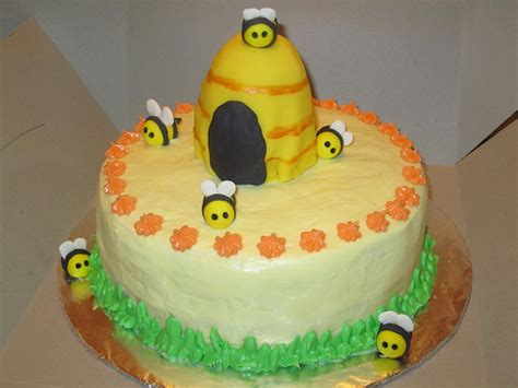 bumble bee cake flickr photo