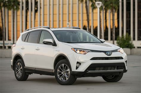 10 things to about the 2016 toyota rav4