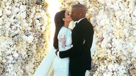 flower wall kim kardashian wedding 4 celebrity inspired wedding themes4 celebrity inspired