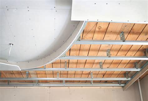 Decke Mit Gipskarton Verkleiden by Zimmerdecke D 228 Mmen 187 Anleitung In 5 Schritten