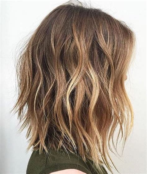 a long bob with wavy texture for fine hair lob with waves zaboravite na ombre u trendu je sombre fashion hr style