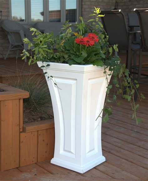 White Outdoor Planters Mayne Post Cambridge Planter White Home And Garden