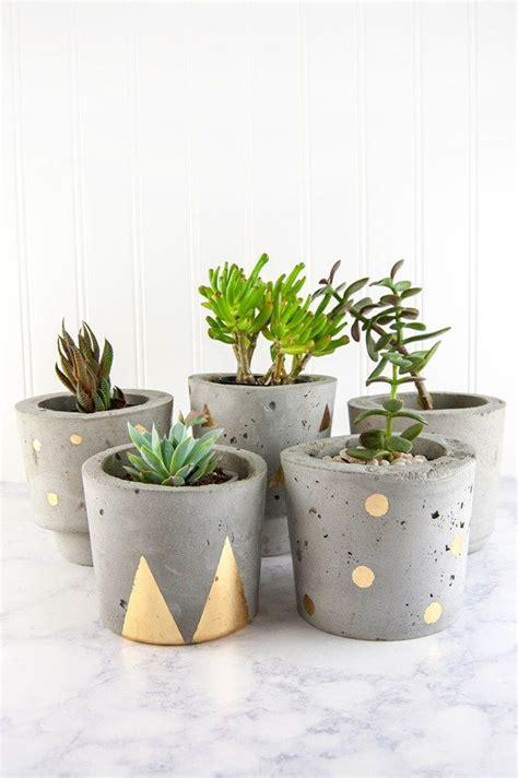 how to decorate a pot at home best 25 concrete pots ideas on pinterest concrete planters diy cement planters and diy