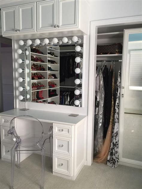 Vanity In Closet by 17 Best Ideas About Closet Vanity On Makeup