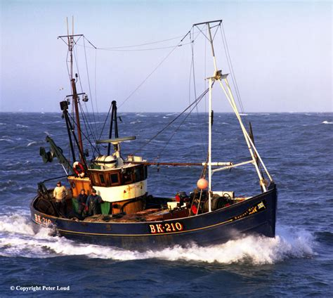 fishing boat photos photographs of northumberland by peter loud fishing boat