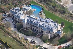 How Much Is A Plane Ticket To Tennessee by Tom Bradys House Castle With A Moat