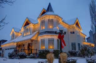 Beautifully Decorated Homes by Beautiful Home Decorated For Christmas Pictures Photos
