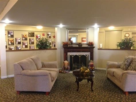 american house sterling heights american house sterling meadows senior living sterling heights mi with 13 reviews
