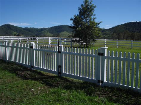 Picket Fences by Pvc Picket Fence And 3 Rail Horse Fence Fencescape Fencing