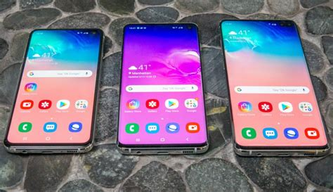 Samsung Galaxy S10 At Walmart by The Samsung Galaxy S10 Is Keeping The Headphone Business Insider